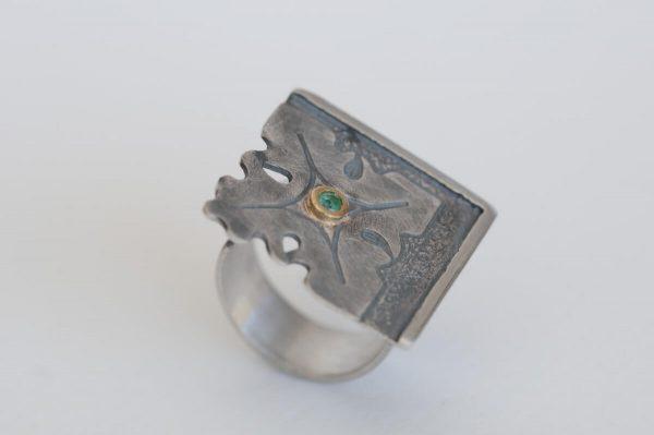 anillo plata esmeralda fragments detalle