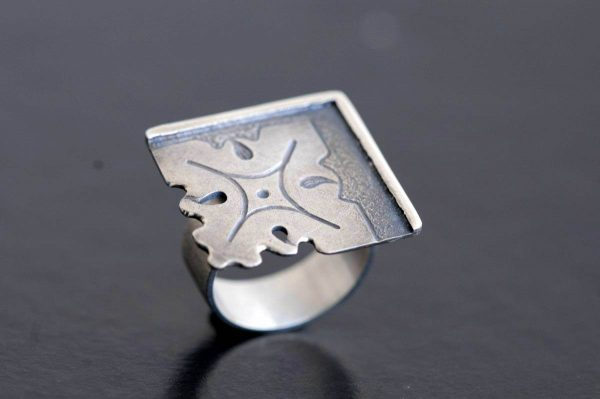 anillo plata fragments