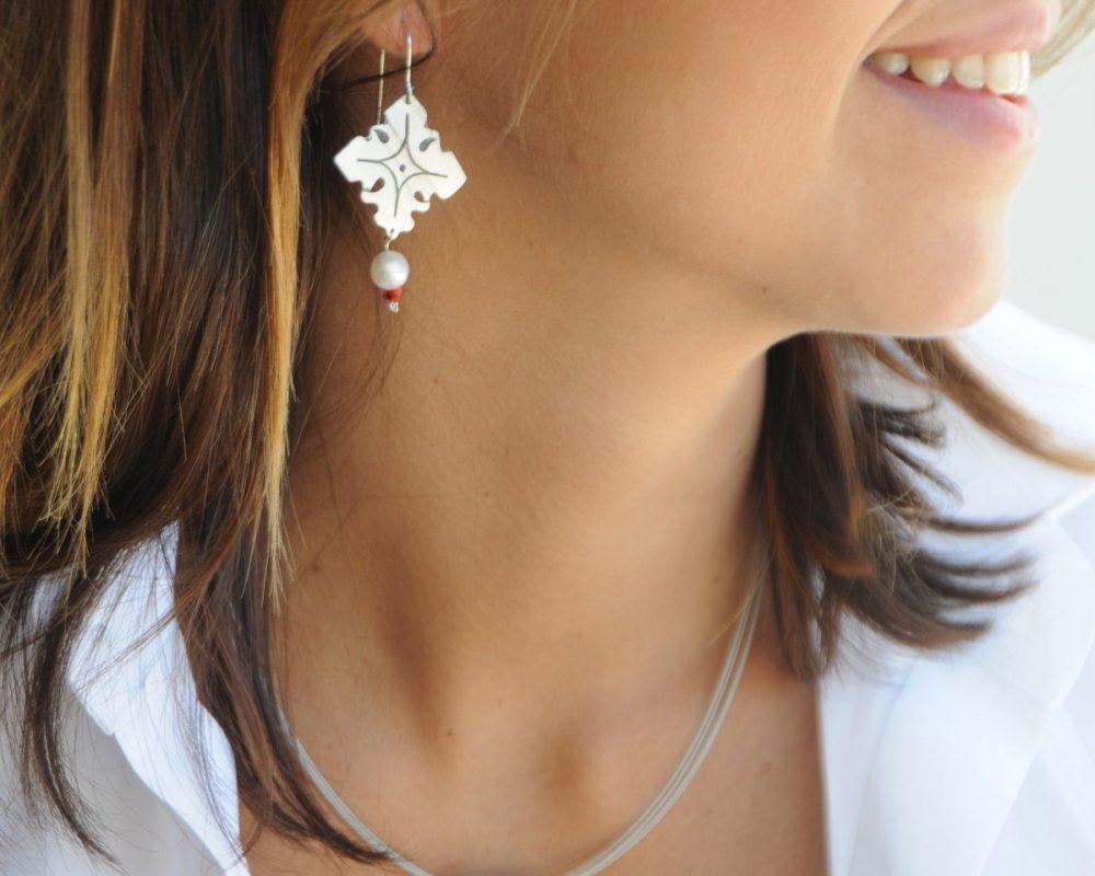 pendientes plata perla cornalina